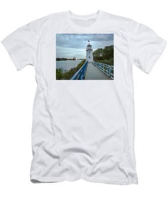 Cheboygan Crib Lighthouse Lake Huron, Lower Peninsula Mi Men's T-Shirt (Athletic Fit)