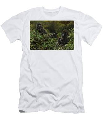 Family Of Gorillas Men's T-Shirt (Athletic Fit)