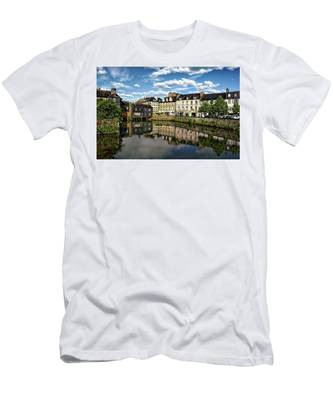Landerneau Village View Men's T-Shirt (Athletic Fit)