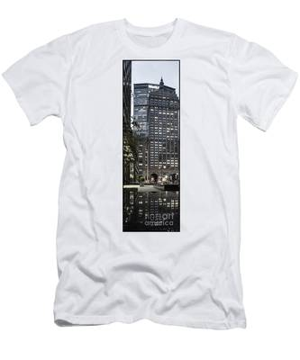 Men's T-Shirt (Athletic Fit) featuring the photograph Park Avenue Met Life Nyc by Juergen Held