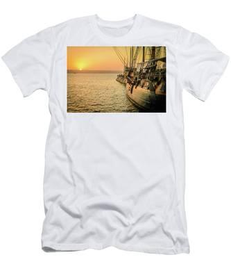 San Diego Sunset Men's T-Shirt (Athletic Fit)