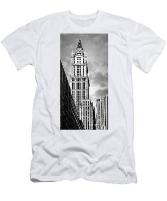 Men's T-Shirt (Athletic Fit) featuring the photograph Woolworth Building by Juergen Held