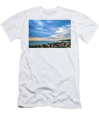 Cloudy City Coastline Men's T-Shirt (Athletic Fit)