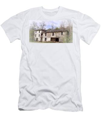Men's T-Shirt (Athletic Fit) featuring the photograph Old Abandoned House In Fluvanna County Virginia by Ola Allen