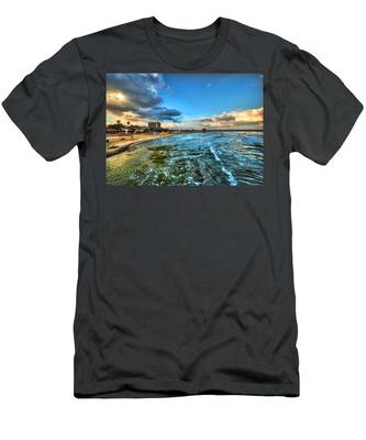 a good morning from Hilton's beach Men's T-Shirt (Athletic Fit)