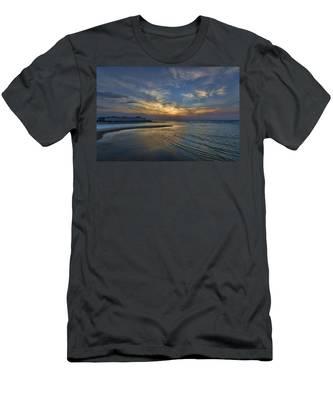 a joyful sunset at Tel Aviv port Men's T-Shirt (Athletic Fit)