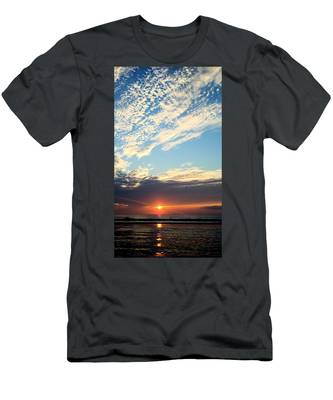 An Ocean And A Sunrise Men's T-Shirt (Athletic Fit)