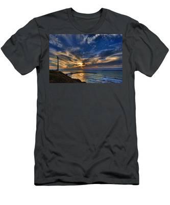Birdy Bird At Hilton Beach Men's T-Shirt (Athletic Fit)