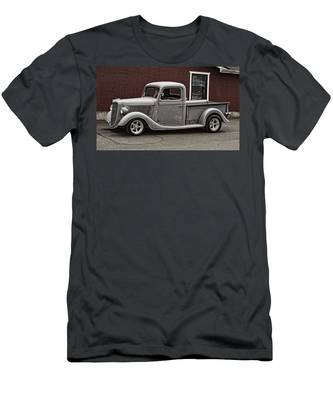 Cool Little Ford Pick Up Men's T-Shirt (Athletic Fit)
