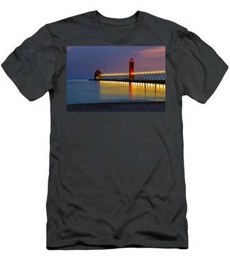 Grand Haven South Pier Lighthouse Men's T-Shirt (Athletic Fit)