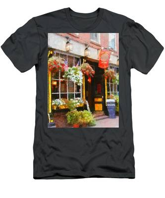 Green Dragon Tavern Men's T-Shirt (Athletic Fit)