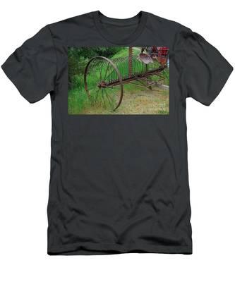 Hay Rake Men's T-Shirt (Athletic Fit)