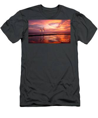 Honeymoon - A Heart In The Sky Men's T-Shirt (Athletic Fit)