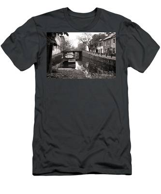 In Georgetown Men's T-Shirt (Athletic Fit)