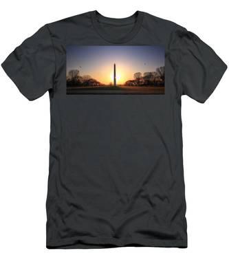 Setting Sun On Washington Monument Men's T-Shirt (Athletic Fit)