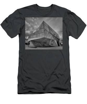 Tel Aviv Museum  Men's T-Shirt (Athletic Fit)