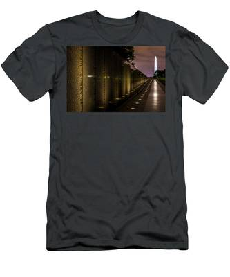 Vietnam Veterans Memorial Men's T-Shirt (Athletic Fit)