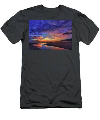 Flowing Out To The Ocean Men's T-Shirt (Athletic Fit)