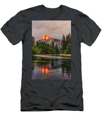 Golden Light On Halfdome Men's T-Shirt (Athletic Fit)
