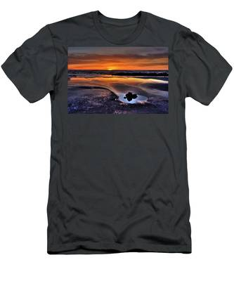 Heart Of The Central Coast Men's T-Shirt (Athletic Fit)