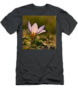 Purple Crocus Men's T-Shirt (Athletic Fit)