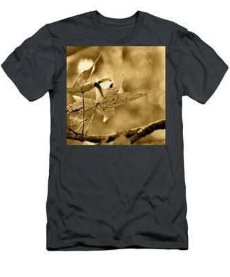 The Gum Leaf Men's T-Shirt (Athletic Fit)