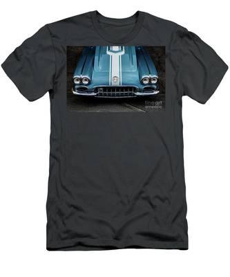 1960 Corvette Men's T-Shirt (Athletic Fit)