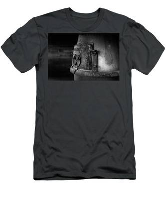 An Antique Stove Men's T-Shirt (Athletic Fit)