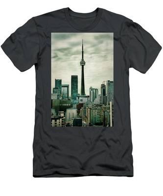 Cn Tower Men's T-Shirt (Athletic Fit)