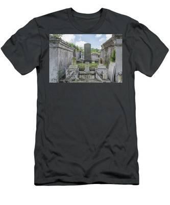 Congregation Of The Dead Men's T-Shirt (Athletic Fit)