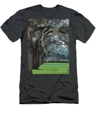 Emmet Park In Savannah Men's T-Shirt (Athletic Fit)