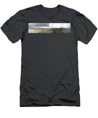 Find No Boundaries Men's T-Shirt (Athletic Fit)