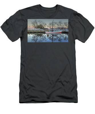 Fishing Boat At Newburyport Men's T-Shirt (Athletic Fit)