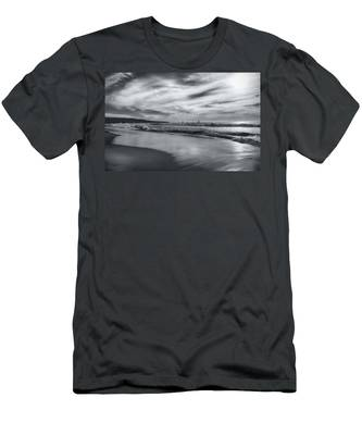 Hermosa Evening Black And White Men's T-Shirt (Athletic Fit)