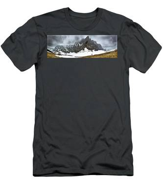 Hiking In The Alps Men's T-Shirt (Athletic Fit)