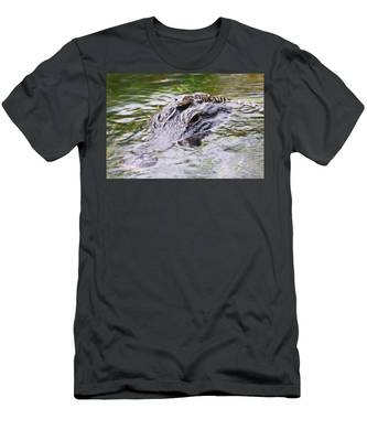 Men's T-Shirt (Athletic Fit) featuring the photograph Hitchin' A Ride. by Evelyn Garcia