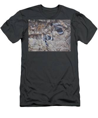 Hoopoes Feeding Men's T-Shirt (Athletic Fit)