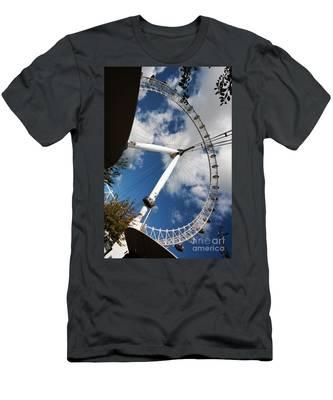 London Ferris Wheel Men's T-Shirt (Athletic Fit)