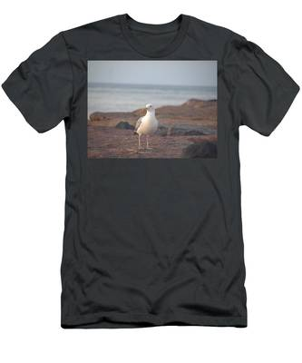 Lone Gull Men's T-Shirt (Athletic Fit)