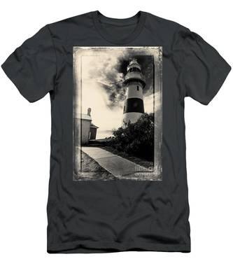 Low Head Lighthouse Men's T-Shirt (Athletic Fit)