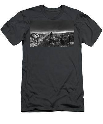 Majestic- Men's T-Shirt (Athletic Fit)