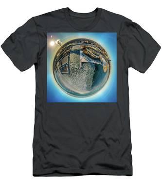 Milwaukee Pierhead Light Little Planet Men's T-Shirt (Athletic Fit)