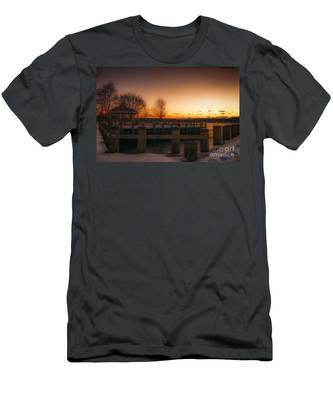 Northport Sunset Men's T-Shirt (Athletic Fit)