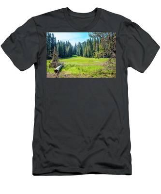 Open Meadow- Men's T-Shirt (Athletic Fit)