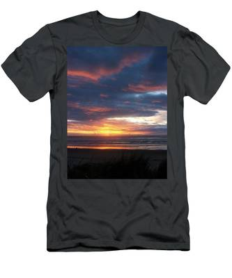 Oregon Coast 11 Men's T-Shirt (Athletic Fit)