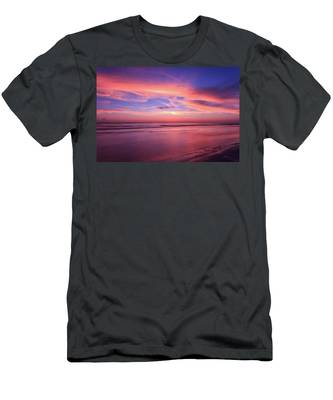 Pink Sky And Ocean Men's T-Shirt (Athletic Fit)