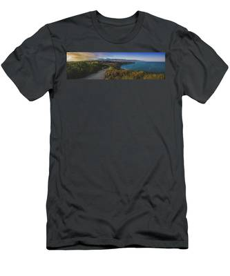 Point Dume Sunset Panorama Men's T-Shirt (Athletic Fit)