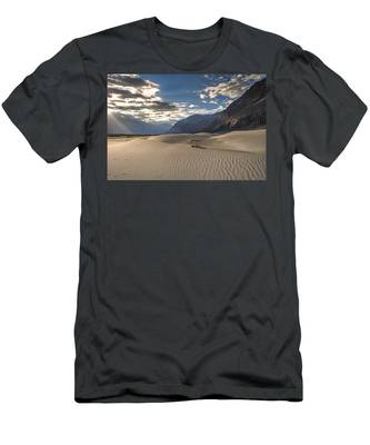 Rays On Dunes Men's T-Shirt (Athletic Fit)
