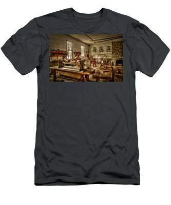The Cabinetmaker Men's T-Shirt (Athletic Fit)