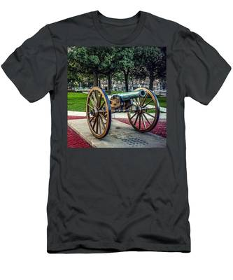 The Cannon In The Park Men's T-Shirt (Athletic Fit)